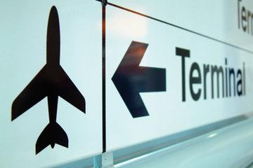 Shared Departure Transfer: Flores Hotels to Mundo Maya Airport