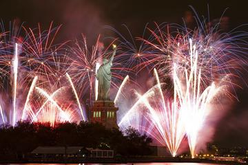 Book New Year's Eve Dinner Cruise in New York Now!