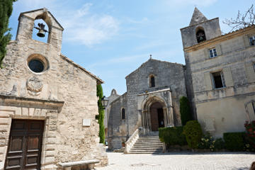 Orange, Les Baux de Provence and Arles Small Group Day Trip