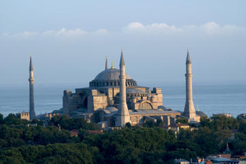 Istanbul in One Day Sightseeing Tour: Topkapi Palace, Hagia Sophia, Blue Mosque, Grand Bazaar