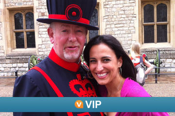 Viator VIP: Exclusive Access to Tower of London and St Paul's Cathedral with Lunch