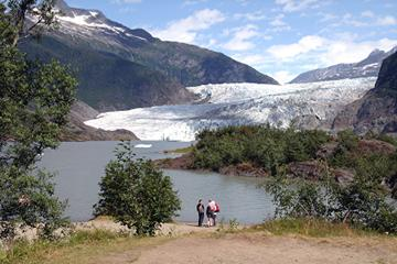 Private Tour: Mendenhall Glacier Hike with Round-Trip Transport from Juneau
