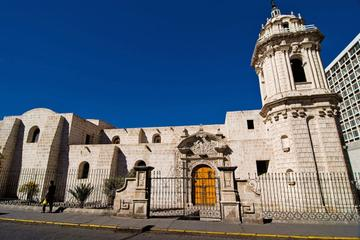 Private Tour: Colonial Arequipa Including Recoleta Convent and Casa del Moral
