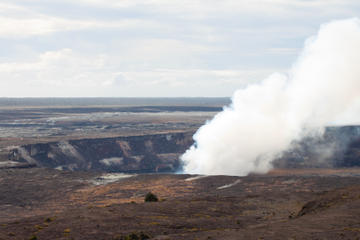 Small-Group Tour: Hawaii Volcanoes National Park and Evening Lava Adventure