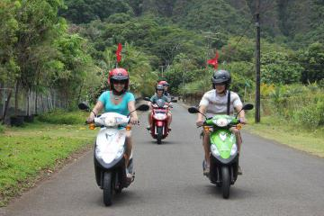 Oahu Shore Excursion: Independent Scooter Adventure