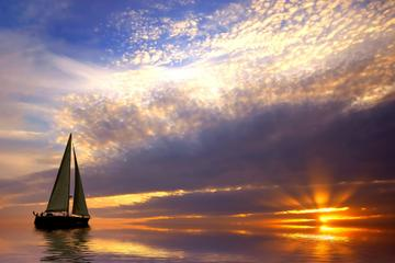 Private Tour: Romantic Sailing Trip from Barcelona