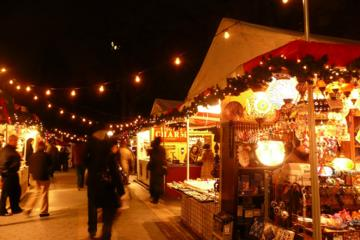 Book New York City Holiday Lights and Markets Walking Tour Now!