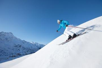 Beginner Ski or Snowboard Lesson at La Parva from Santiago