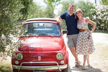 Private Tour: Self-Drive Vintage Fiat 500 Tour from Florence with Candlelit Dinner at a Tuscan Villa