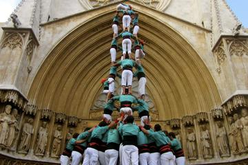 Small-Group Catalonia Tour from Barcelona: Alella Wine Tasting, Catalan Food and Human Tower Displays