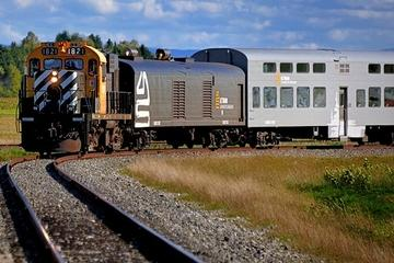Round-Trip Gourmet Train Ride from Quebec: Baie-Saint-Paul and La Malbaie