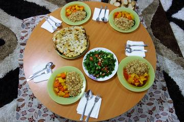 Eat Like a Local: Istanbul Food and Culture Tour with Dinner at Local Family Home