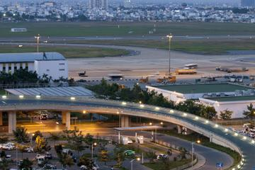 Ho Chi Minh City Shared Departure Transfer: Hotel to Tan Son Nhat International Airport