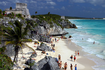Tulum Ruins with Optional Akumal Beach Snorkeling and Lunch from Cancun