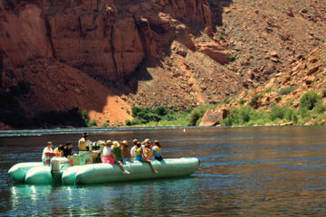Arizona Highlights Day Trip: Antelope Canyon, Lake Powell and Glen Canyon with River Rafting