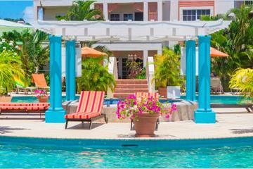 Day Pass To Bay Gardens Resort Including Water Sports Or Massage