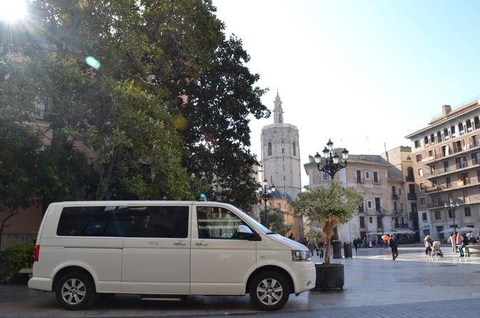 Transfer Valencia Airport to Downtown Minivan to 8 paxs