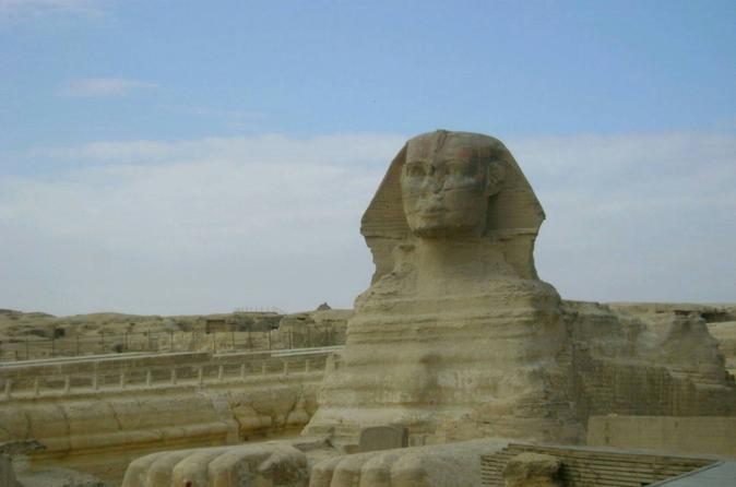 Full Day tour to Giza Pyramids and Egyptian museum and Islamic Cairo