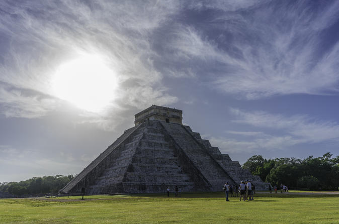Private Tour to Chichen Itza with Cenote and Gourmet Lunch