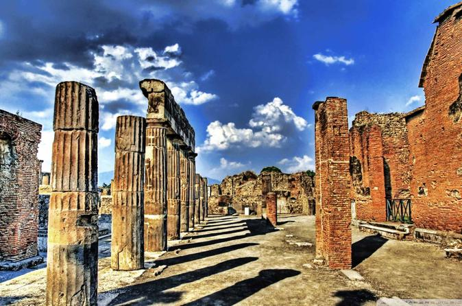 Small-Group Pompeii Tour by Train from Sorrento