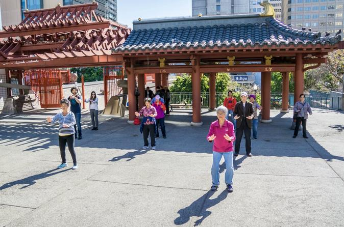 Private San Francisco Walking Tour of Chinatown and North Beach