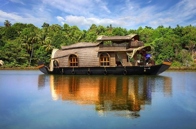 5-Night Private Kerala Backwater Tour with Houseboat Stay