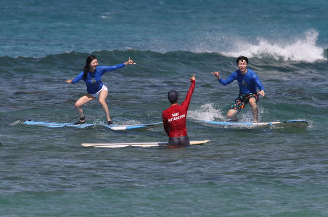 Group Surf Lesson in Oahu