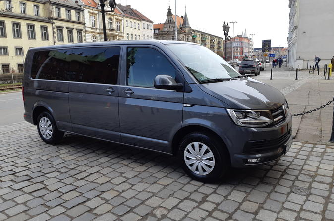 Private Arrival Transfer: Wroclaw Airport to Hotel
