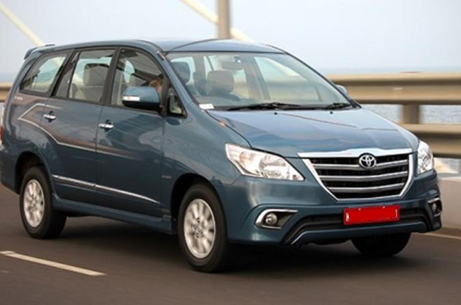 Private Car Package in Delhi: Airport - Delhi - Agra Trip