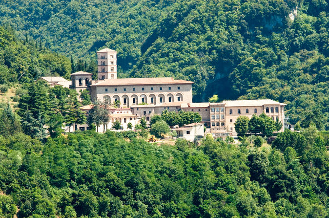 Work and Pray: In the Footsteps of St Benedict Private Day Trip from Rome