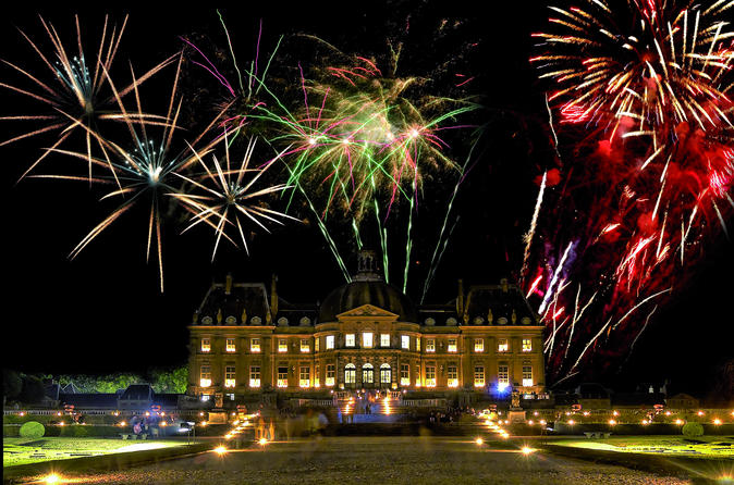 An-evening-at-vaux-le-vicomte-palace-including-dinner-and-candlelight-in-paris-142096