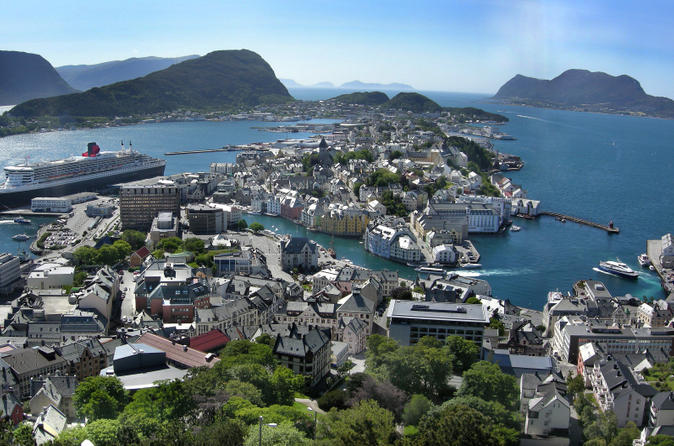 Alesund-shore-excursion-hop-on-hop-off-tour-in-alesund-147053
