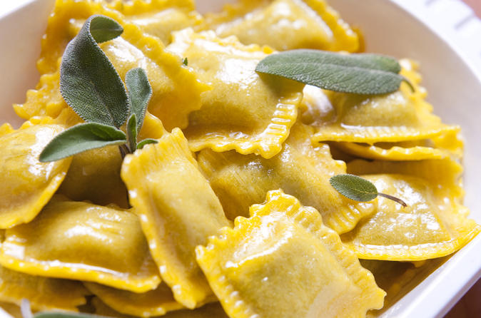 3-Hour Ravioli and Meatballs Cooking Class and Meal in Rome