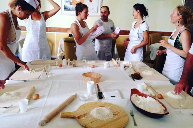 Cooking class:Pasta Making and Lunch or Dinner in the Center of Rome