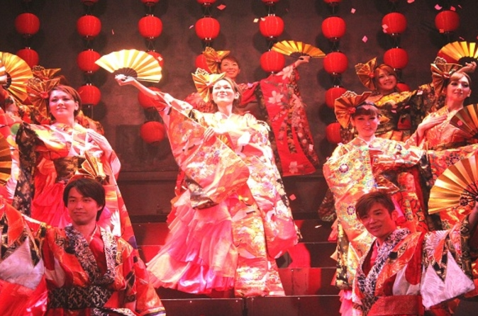 Oiran-show-with-dinner-courtesans-of-the-meiji-era-in-tokyo-162266