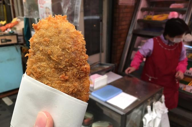 Small-Group Kuromon Market Food Walking Tour in Osaka