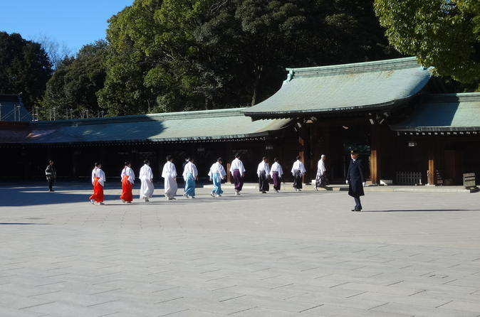 Morning  Private Half Day Walking Tour of Sacred Atmosphere of Meiji Jingu Shrine-Tsukiji-Ginza and Asakusa