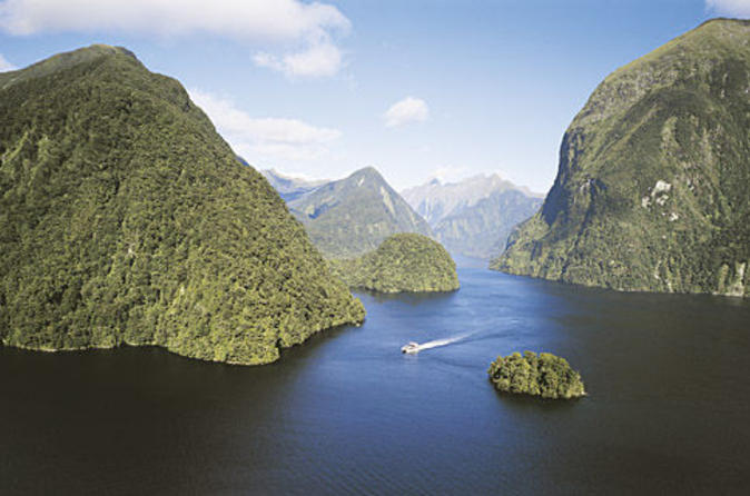 Doubtful-sound-wilderness-cruise-from-te-anau-in-te-anau-38042