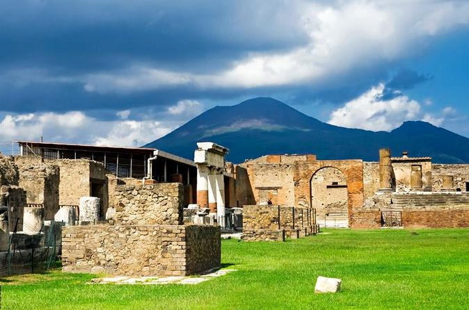 Private Transportation to Pompeii, Mt Vesuvius and Winery