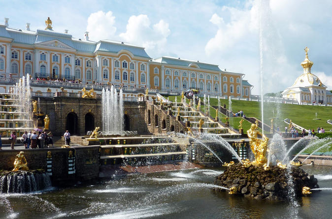 2 Day Grand Tour: Visa-Free Saint Petersburg Shore Excursion