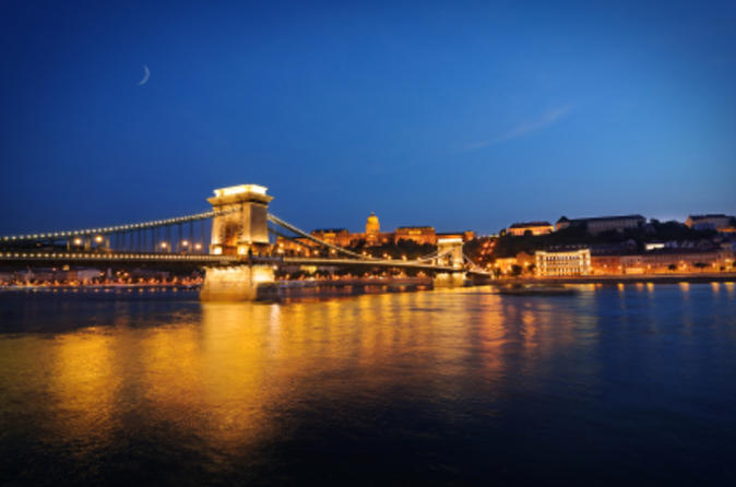 Budapest-night-walking-tour-and-river-cruise-in-budapest-103265