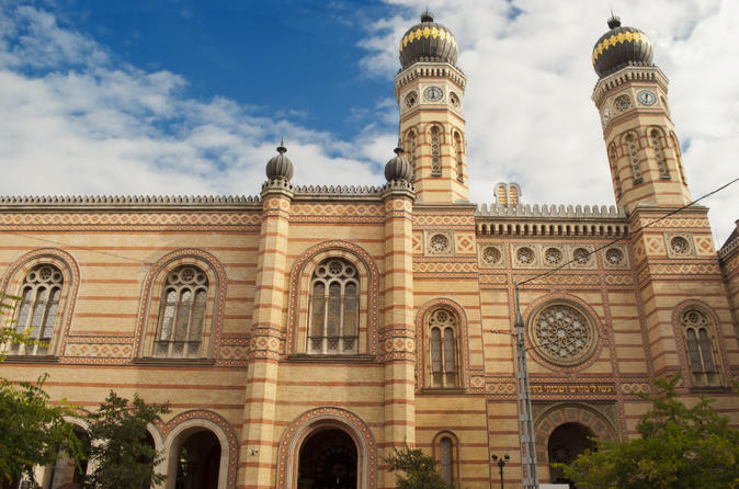 Private-walking-tour-jewish-budapest-including-great-synagogue-and-in-budapest-146595