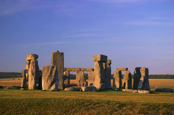 4-day-london-tour-city-highlights-by-vintage-bus-plus-stonehenge-and-in-london-122677