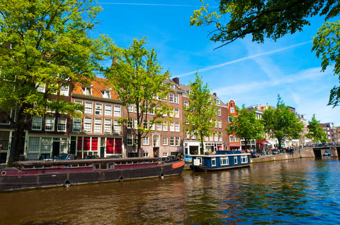 Amsterdam-canal-bus-hop-on-hop-off-in-amsterdam-115701