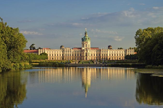 Tour, classical afternoon concert and gala dinner at Charlottenburg Palace