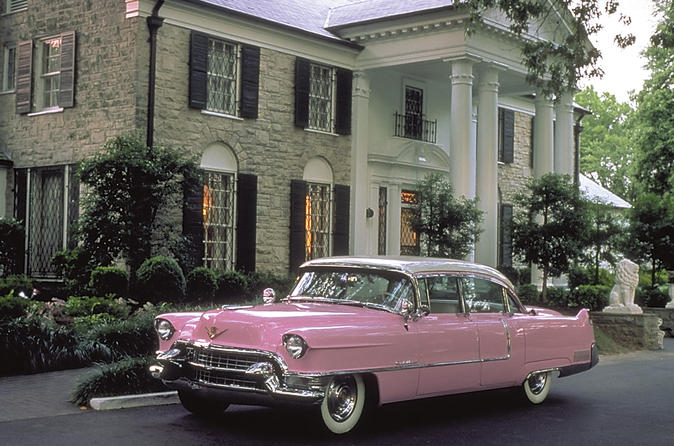 Nashville to Memphis Day Trip with Graceland VIP Tour