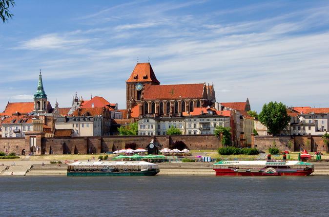 Walking city tour in Torun