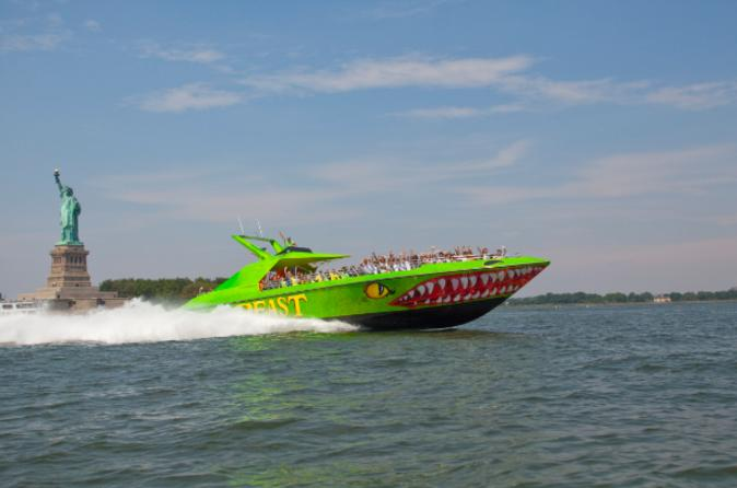 Circle-line-beast-speedboat-ride-in-new-york-city-106901