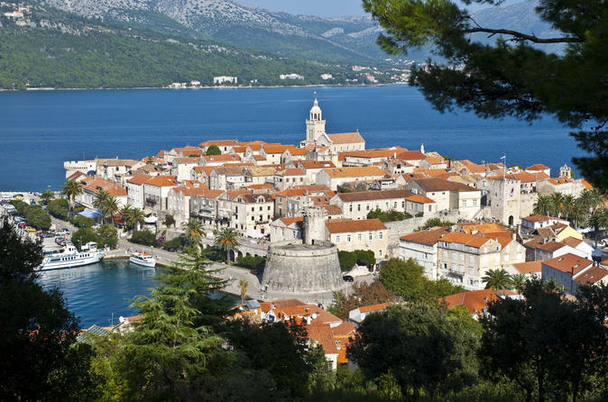 Discover Korcula by boat