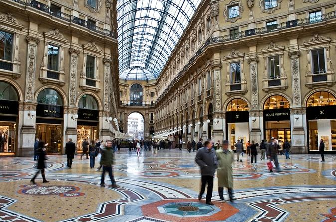 Milan-fashion-walking-tour-quadrilatero-della-moda-in-milan-138608